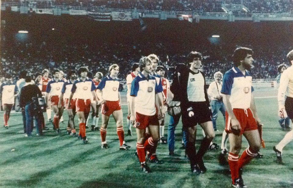Αθλητικές Ιστορίες: Το Ολυμπιακός-Άγιαξ 2-0 του 1983 μέσα από τον τύπο της εποχής!