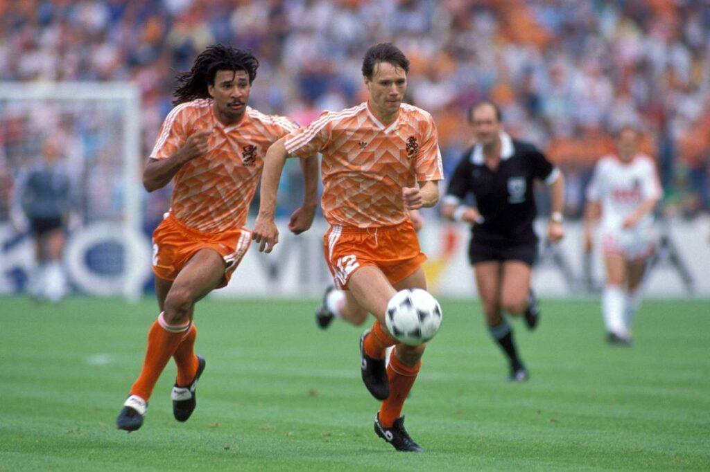 Θυμάσαι τον τελικό του EURO 1988 Ολλανδία-ΕΣΣΔ;