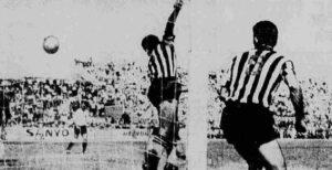 Γνωρίζατε ότι… στην «πρεμιέρα» της σεζόν 1963-1964, ΠΑΟΚ και ΑΕΚ αγωνίστηκαν στις 10 το πρωί στο γήπεδο της Τούμπας;